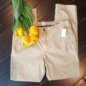 NWT Gap khaki pants size 8 girlfriend Chino